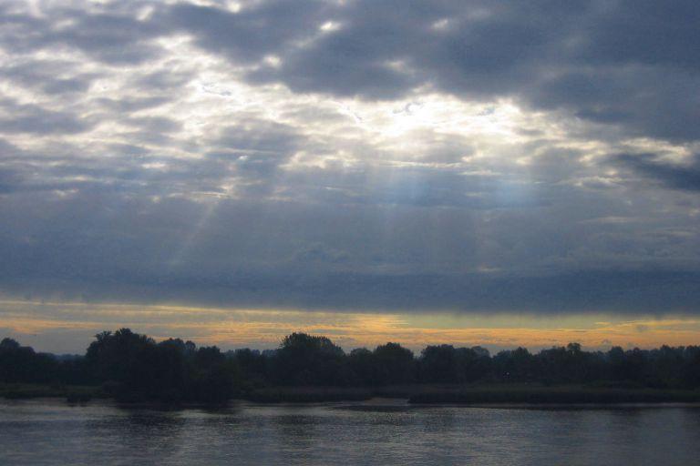 lichtdurchflutete Wolkendecke